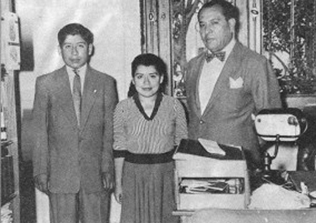 Лина Медина с сыном и мужем