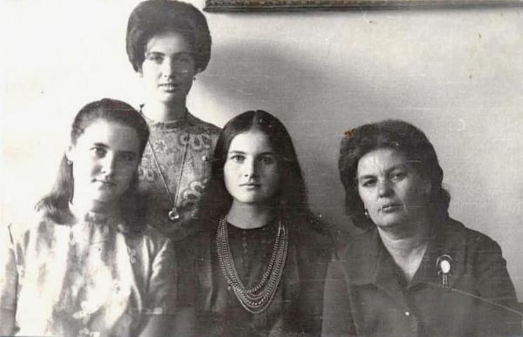 Лидия Перепрыгина с семьей