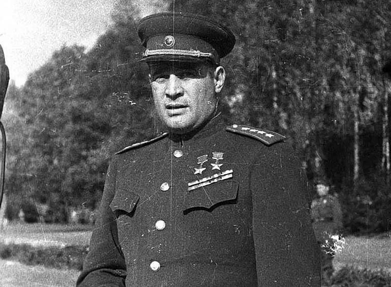Иван Черняховский