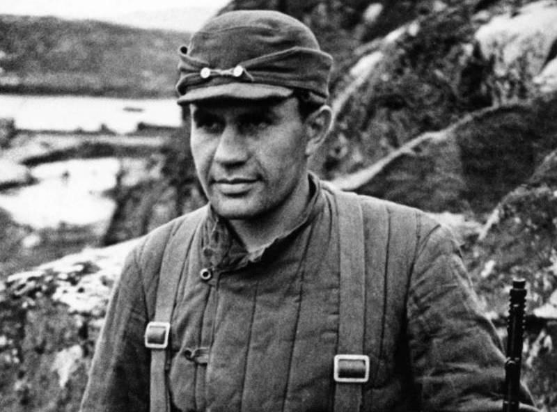 Виктор Леонов