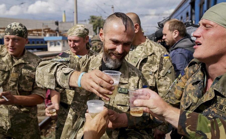 Военные употребляют спиртное