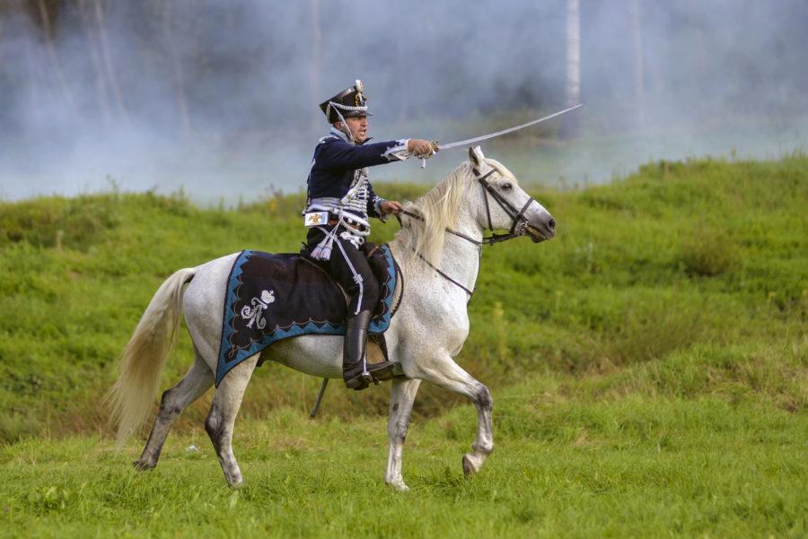 Гусар на коне