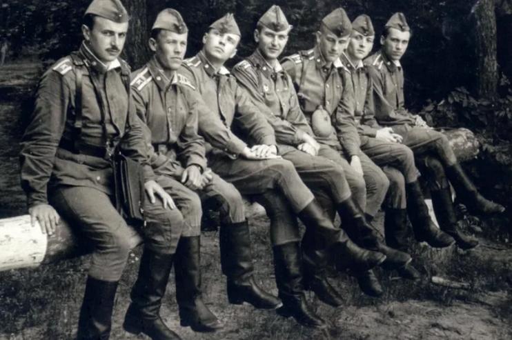 Солдаты в советское время