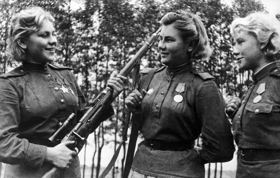 Женская снайперская школа