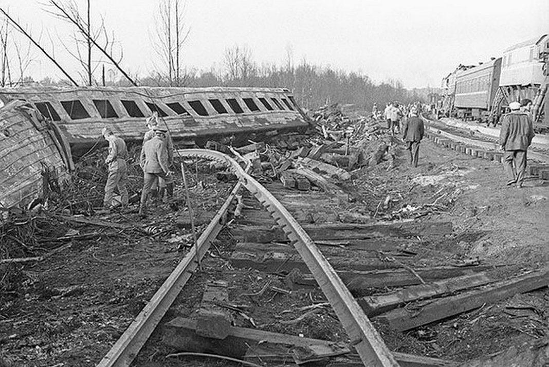 Два поезда с пассажирами взорвались в Башкирии