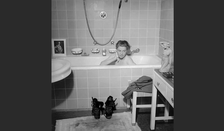 Искупались в ванной Гитлера